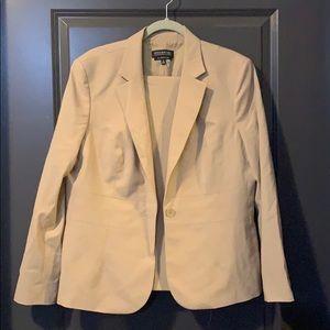 Jones New York stretch size 16 beige suit